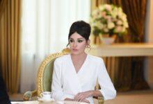 """Photo of Mehriban Əliyevadan 8 Mart təbriki: """"Siz """"qadın"""" sözünün ucalığını ləyaqətlə qoruyursunuz"""""""