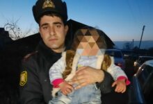 Photo of Polis əməkdaşı itkin düşən 2 yaşlı uşağın həyatını xilas edib