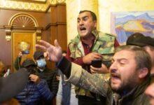 Photo of Ermənistan müxalifəti daha bir dövlət binasına girdi
