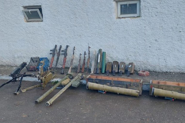 Photo of Xocavənddə ermənilərin atıb qaçdığı silah-sursat tapıldı